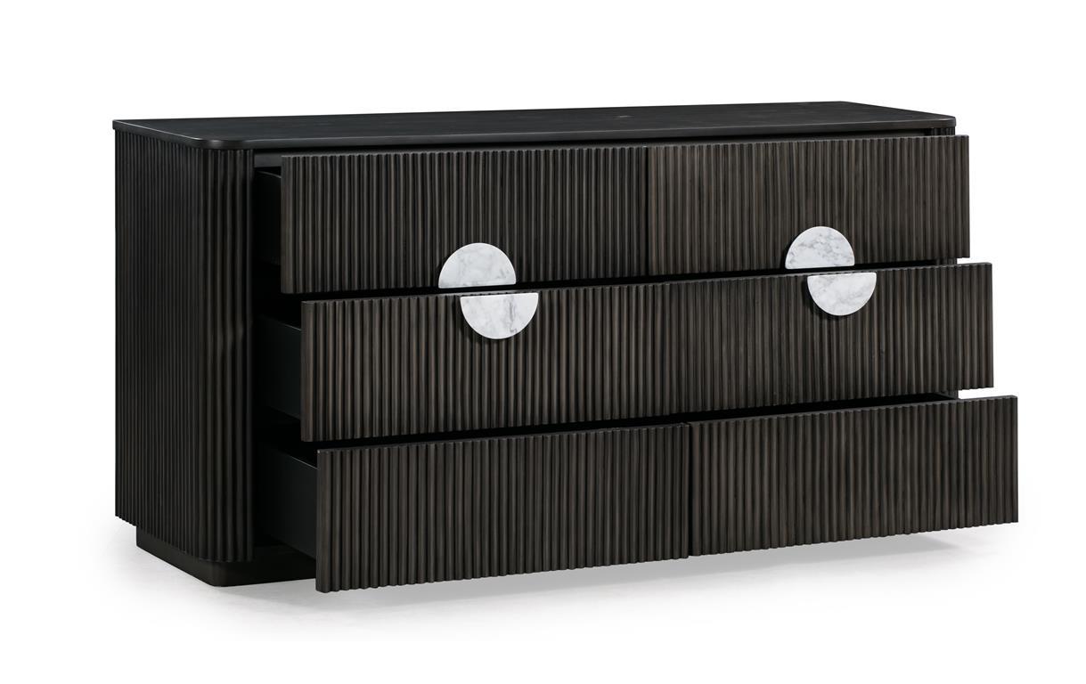 Manhattan Dresser 4