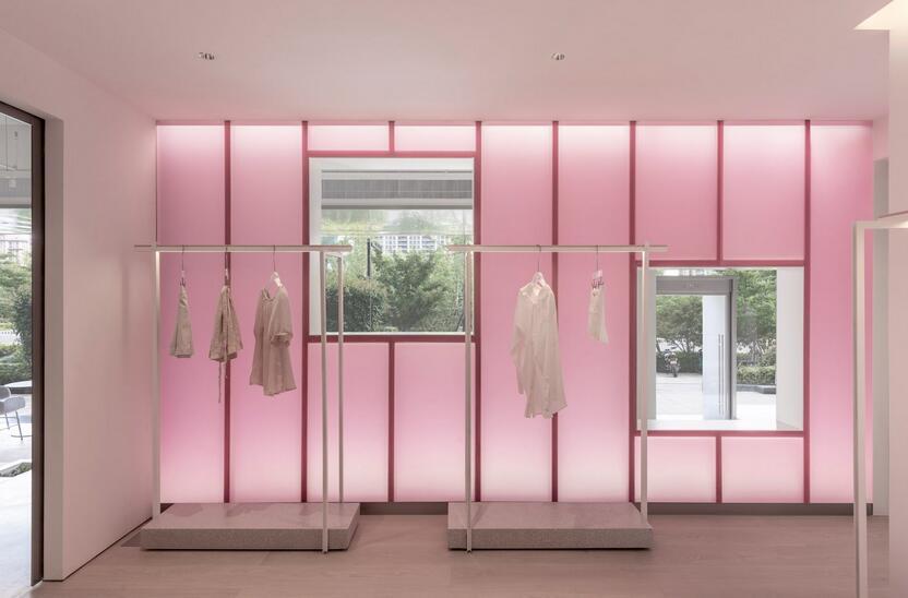 Lukstudio,Lukstudio creates theatrical shop for Chinese fashion brand Dear So Cute