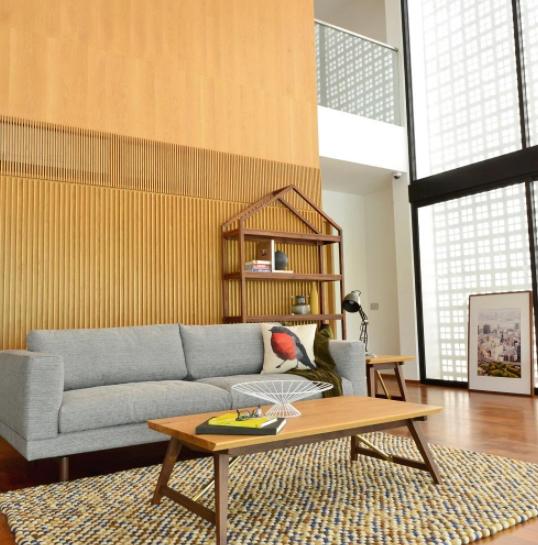 House Shelf  (Oak)