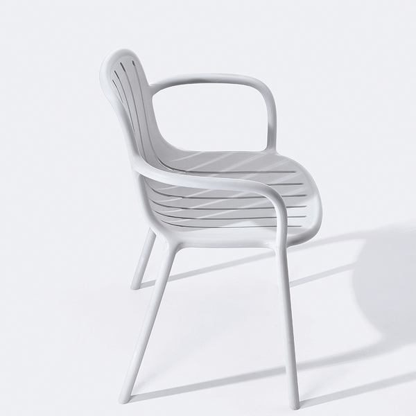 Modern solid plastic leisure outdoor garden chairs with arm