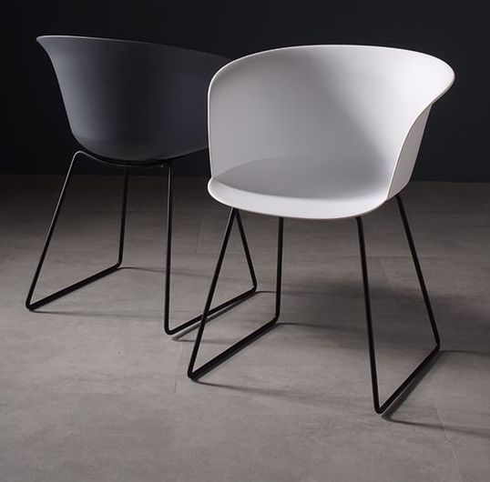 Design fashion style plastic seat chairs with metal leg for dining room and living room