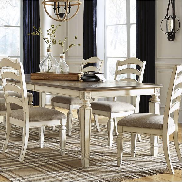 Realyn Dining Room Set