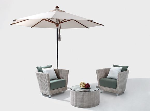 Outdoor sunshade/chair
